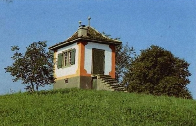 Das Guggenbüel-Hüüsli verkündet das baldige Ziel in Marthalen